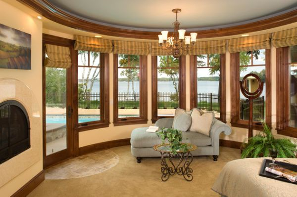 Beautiful Large Master Bedroom Design Utilizes The Chaise For A Vintage Look