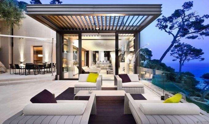 Elegant Outdoot Patio With Beautiful Furniture Design And Stunning Landscape