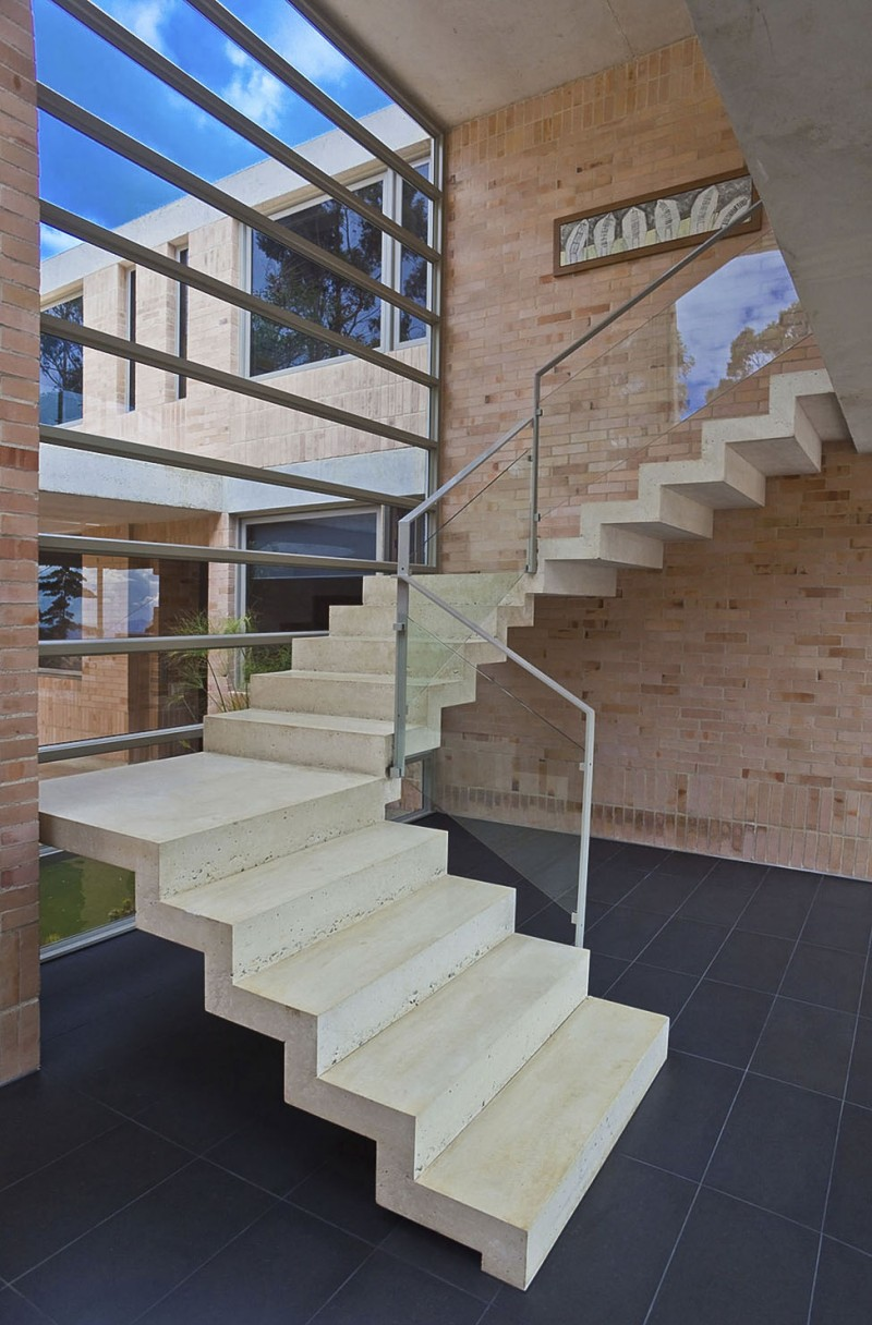 Attrayant Nice Best Design On Family Residence: Floor To Ceiling Glass Walls With Concrete  Staircase In