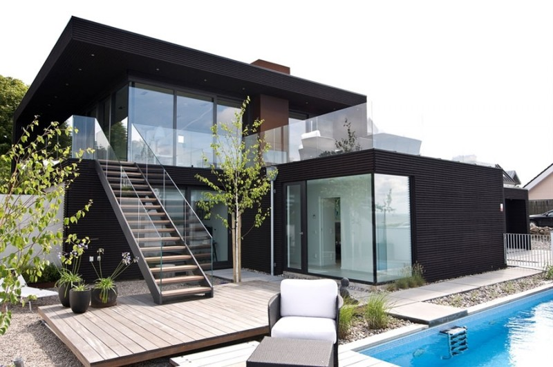 Awesome Decoration On Villa Nilsoon: Glass Door And Window Also Black Wood  Siding For Modern Part 64
