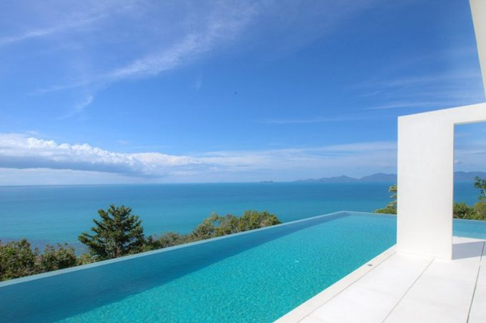 Hill Villa With Infinity Pool Design