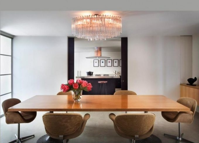Inspiring Dining Roomwith Wooden Table And Cool Chandelier