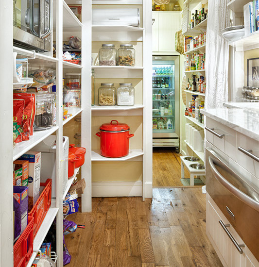 Lovely White Pantry Shelving Designs With Wood Palette Floor