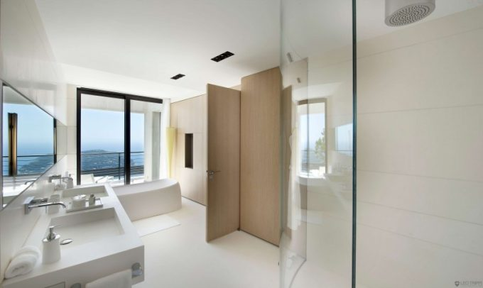 Luxury Bathroom Design With Soft Color Idea