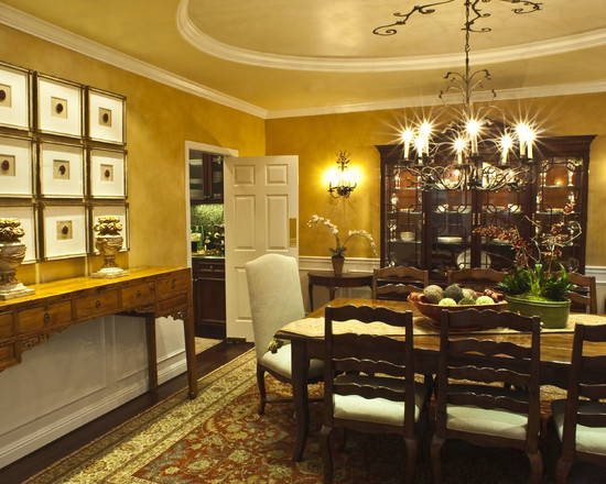 Romantic Dining Room With Wood Buffet Table Decorating Ideas That Decor With Classic Vase In Yelloe Dining Interior With Lovely Chandelier