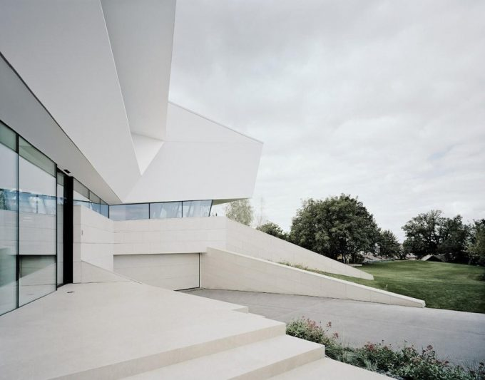 Perfect White Exterior And Cool Garage Design With Concrete Driveway