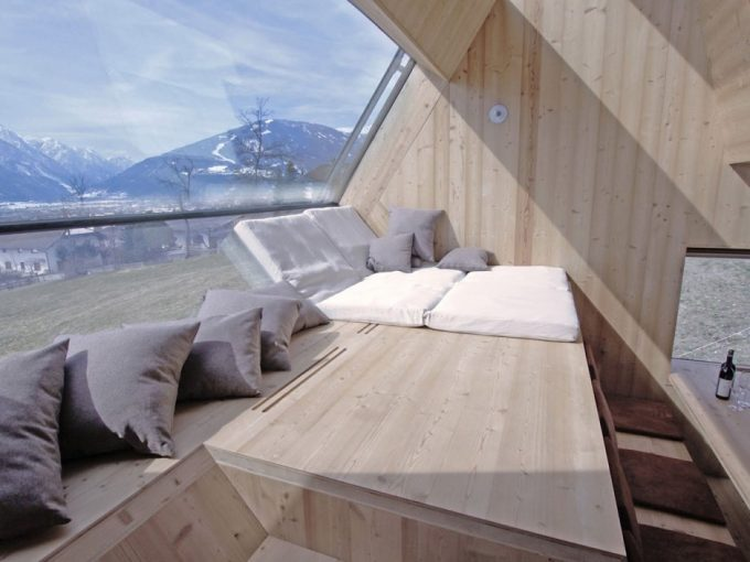 Cozy Shelter With Geometry Glass Windows With Bay Window Style Plus Cool Mountain View