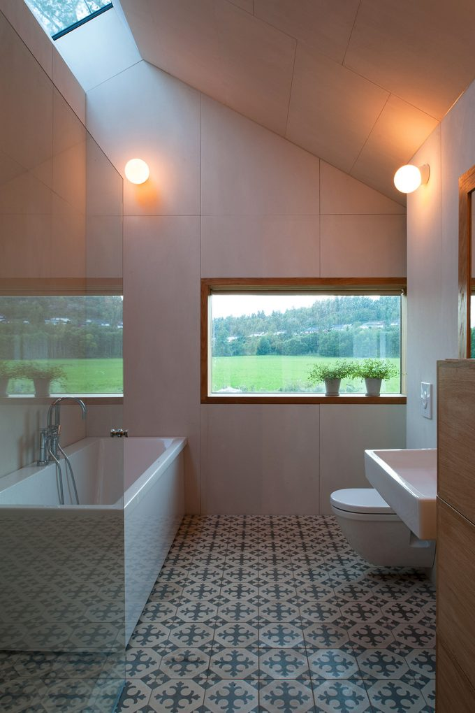Great Bathroom Design With Skylight Decor And Wide Glass Windows And Minimalist Interior Bathroom Using Warm Sconces