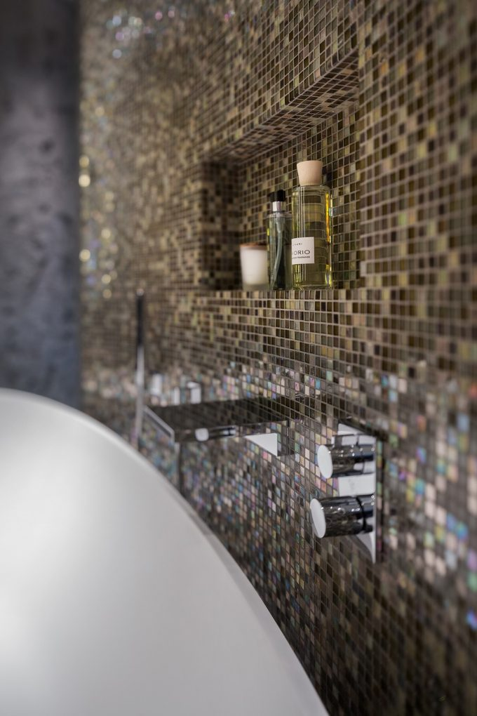 Pixeled Wall Details With Wall Shelving For Soap Dish