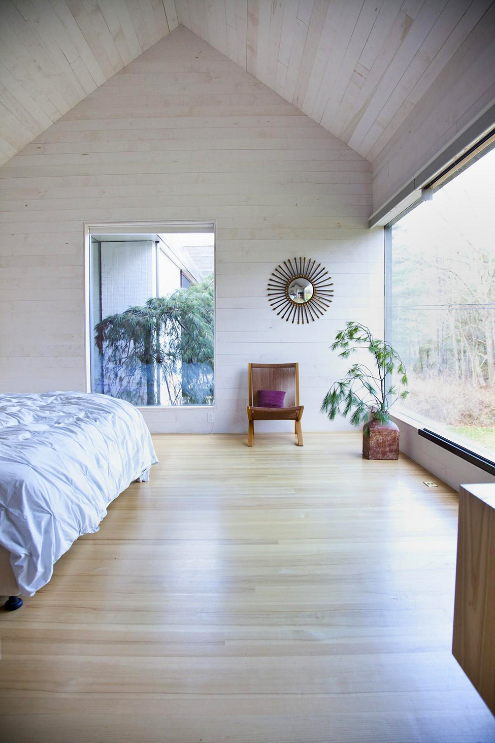 Breezy Bedroom With Wide Glass Windows And High Ceiling Decor Plus Wooden Floor Also Minimalist Design