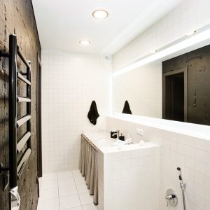 Contemporary Bathroom Room Design With White Wall Tile And Unfinished Stucco Wall Decor