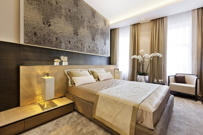 Great Bedroom With Best Design With Neutral Color And Golden Ornament