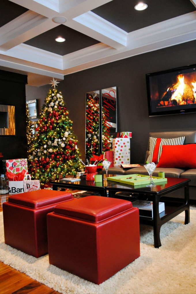 Contemporary Living Room With Coffered Ceiling And Wood Flooring Plus Berber Carpet Also Red Accent With Best Artificial Christmas Trees And Decorative Pillows On Leather Sofa