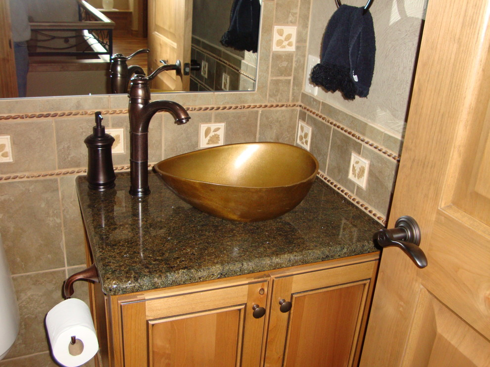 Architecture bathroom lighting in traditional bathroom for Unique bathroom sinks and vanities