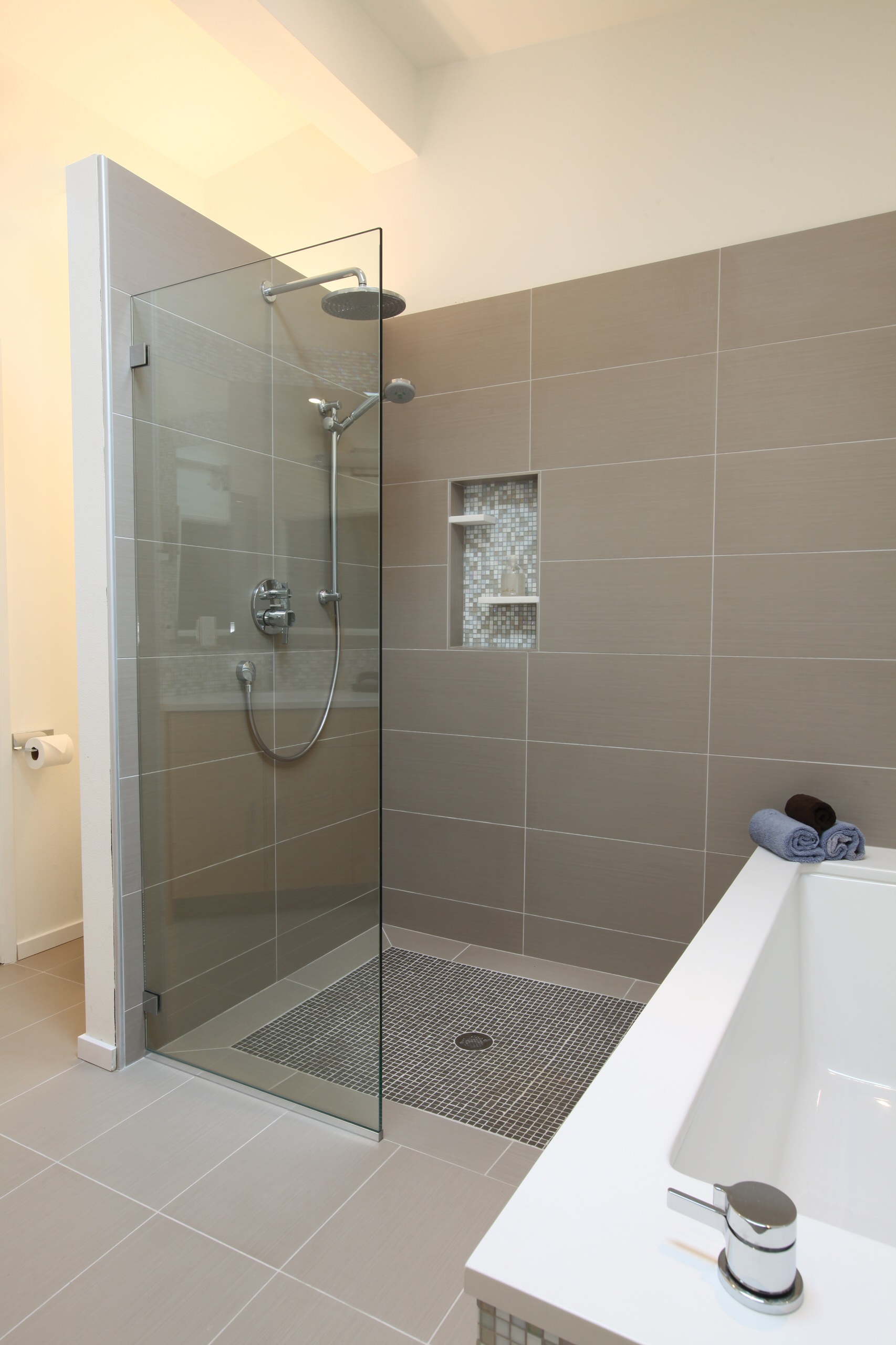 Architecture: Midcentury Bathroom With Walk In Shower Ideas And ...
