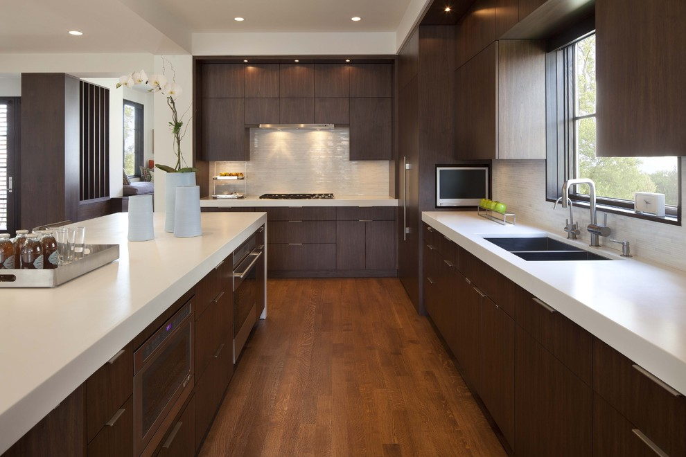 Red Oak Flooring With Kitchen Cabinet And Countertops Plus Designer White Corien Also Upper Cabinet Add White Quartz Counter And Large Window For Contemporary Kitchen Ideas